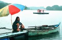 l'isola ragazza barca