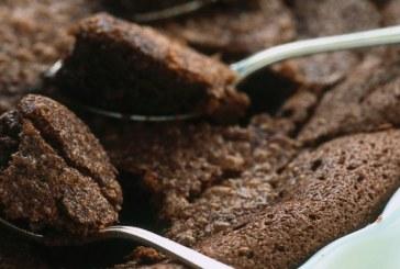 Torta morbida al cioccolato : dolce rustico natalizio