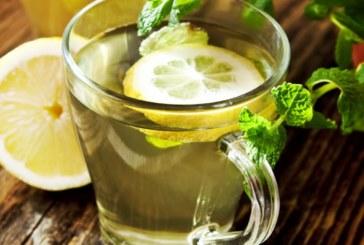 Acqua e limone le buone abitudini da bere