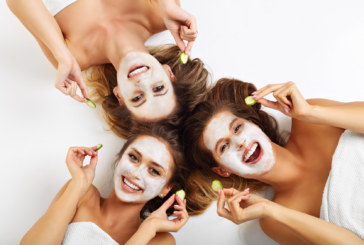 """Maschere viso """"fai da te"""": a ogni pelle il suo ingrediente segreto"""