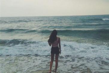 """""""Non ci portare chiunque a vedere il mare…"""" la poesia che ha commosso il web"""