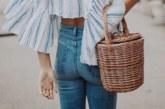 La regina delle borse estive è lei, sia in spiaggia che in città
