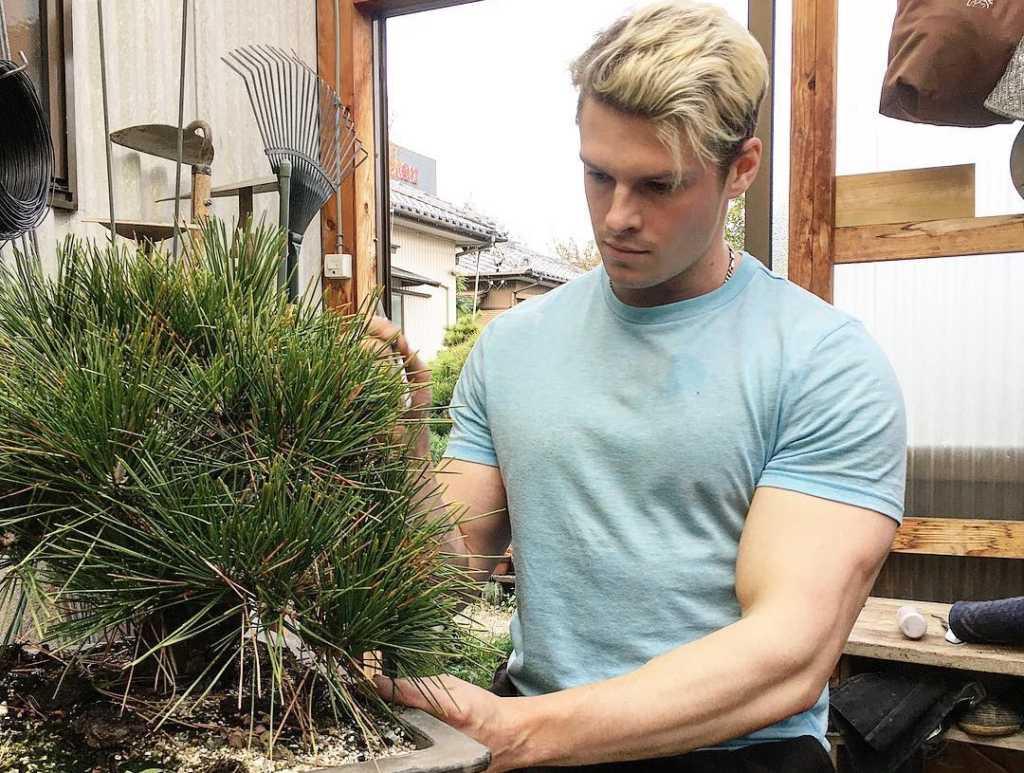giardiniere sexy uomo